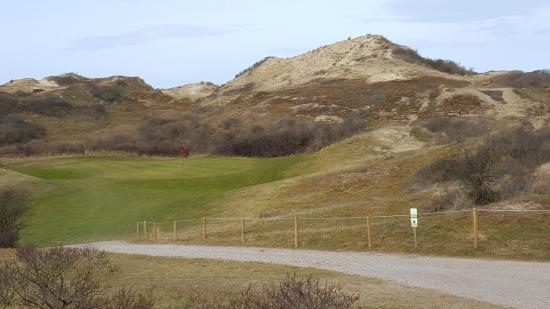 Golf de Belle Dune : Le tour n°12 - Par 3 de 145m au milieu des dunes