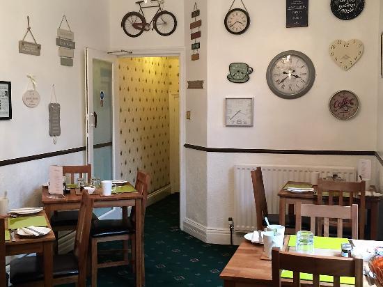 Kingsmere Guest House: Breakfast Room