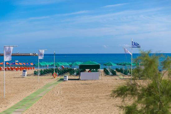 Bio Suites Hotel: Bio Beach