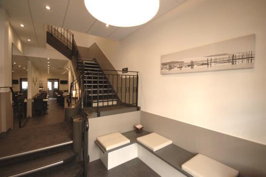 entree de l 39 hotel photo de hotel la pergola arcachon tripadvisor. Black Bedroom Furniture Sets. Home Design Ideas