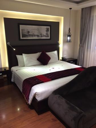 Hanoi Moment Hotel 2: Junior Suite Room