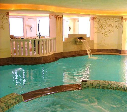 Hotel Ortler: Hallenbad mit integriertem Whirlpool