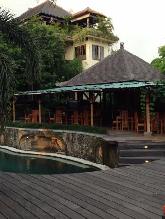 soulshine bali: View of Pool, Restaurant and Main Building