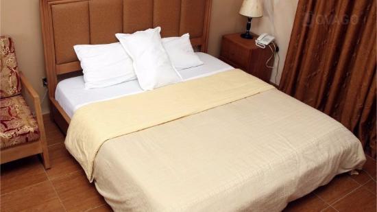 La Maison Hotel & Suite