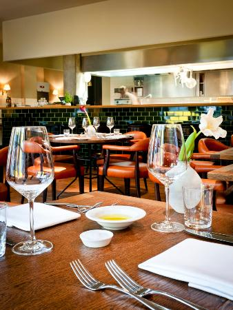 Bijou Bar & Restaurant