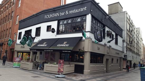 The Fountain Tavern: Exterior
