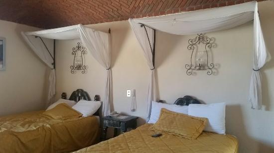 Castillo Santa Cecilia Hotel: 20160401_154609_large.jpg