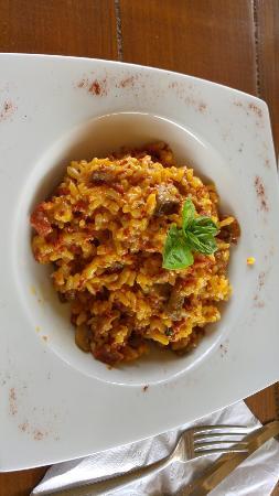 Del Alto Restaurant