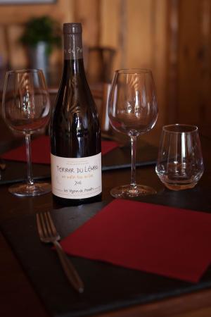 Restaurant Le bonheur dans le pre: la table