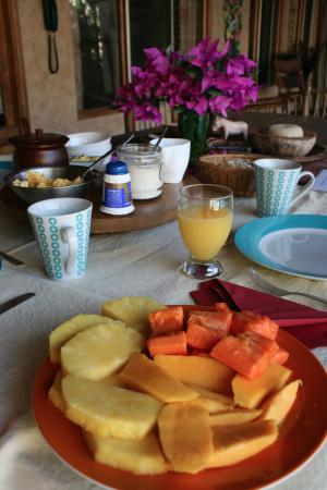 Quinta Don Fernando: Breakfast table