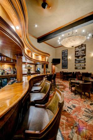 Cannery Restaurant: Lounge