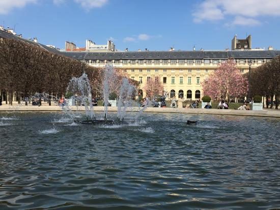 au printemps picture of jardin du palais royal paris