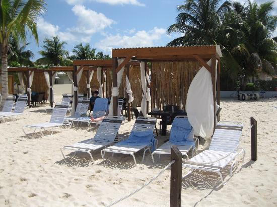 Royal Palms Beach Club Cabanas At