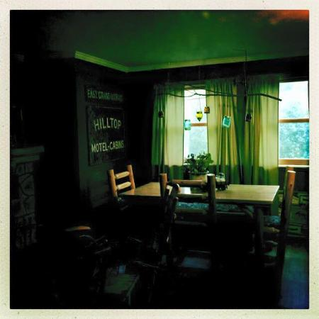 Hilltop cabins: Breakfast in the main house