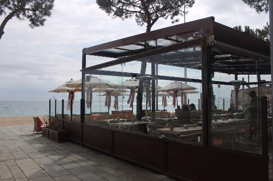 Restaurant La Calma Chill Out : Enjoy the seaside view