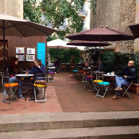 Cafe d'estiu -TEMP CLOSED: nuevos cojines de colores!!
