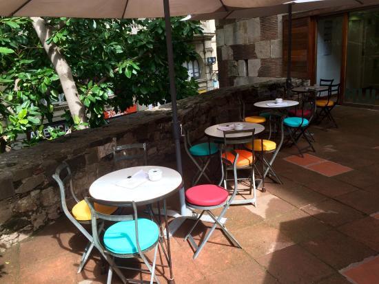 Cafe d'estiu -TEMP CLOSED: colores comfortables