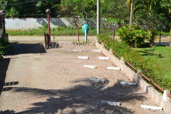 Pousada e Camping Marymar: estacionamento