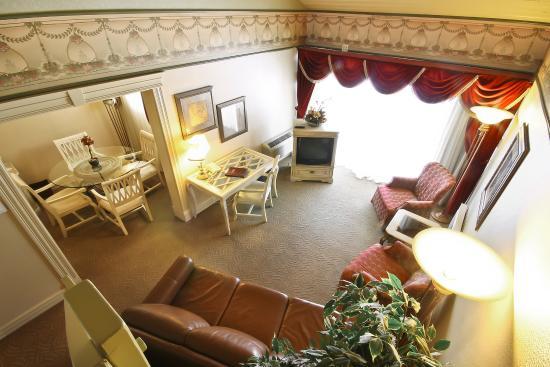 Auberge Quebec: Chambre avec mezzanine ! Room with mezzanine