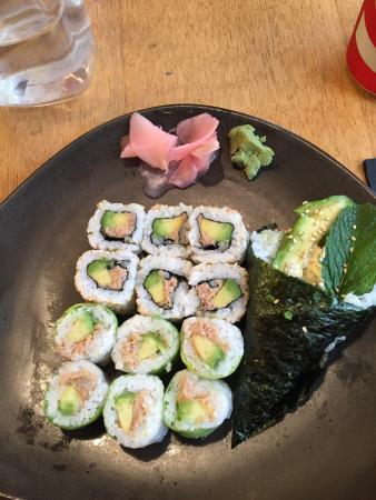 restaurant sushi shop dans avignon avec cuisine japonaise. Black Bedroom Furniture Sets. Home Design Ideas