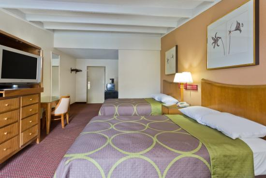 Super 8 Melbourne: 2 double beds