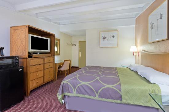 Super 8 Melbourne: 1 King bed