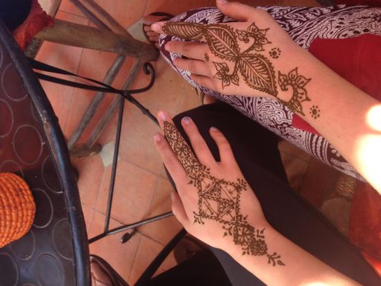 Great henna tattoo cafe for all picture of henna cafe for Henna tattoos locations