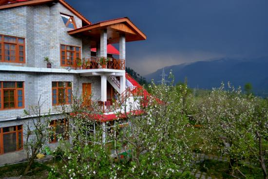 Bharhka Countryside Cottage Resort