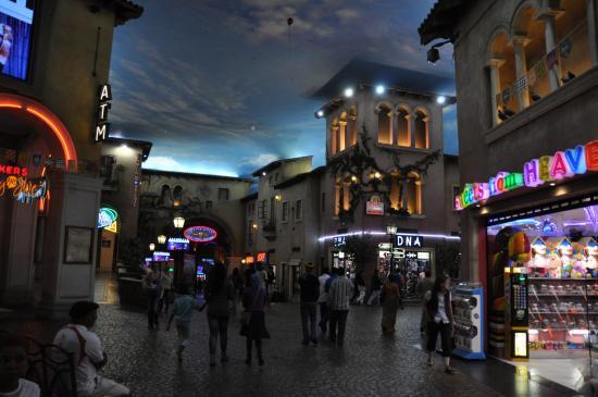 Montecasino shopping gsn free casino slots