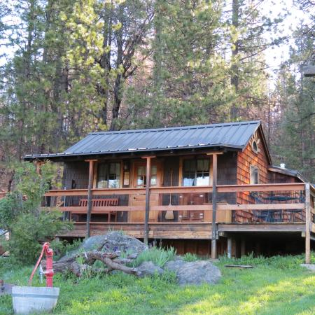 Photo of Sunset Inn Yosemite Vacation Cabins Groveland