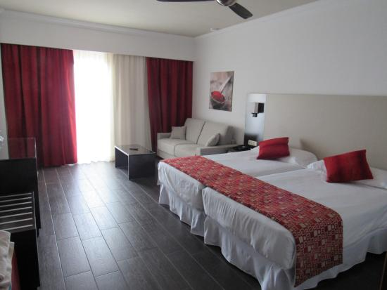 Hotel Riu Monica: Our room with additional sofabed