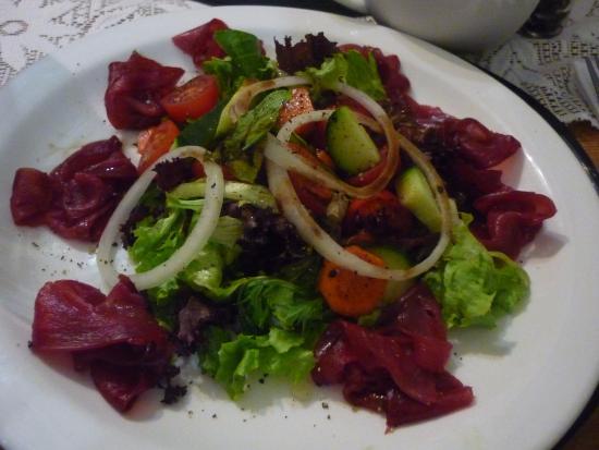 Salat mit geräuchertem Strauß