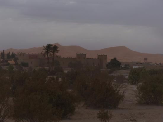 Ksar Merzouga: Buildings around the hotel