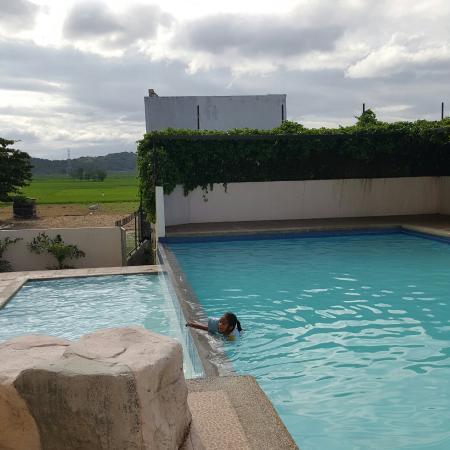 Pamulinawen Hotel: Pool area