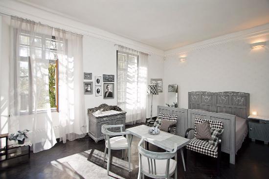 Caslav, Τσεχική Δημοκρατία: The Black and White Room