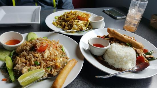 Joy's Pattaya Thai: 20160404_150237_large.jpg