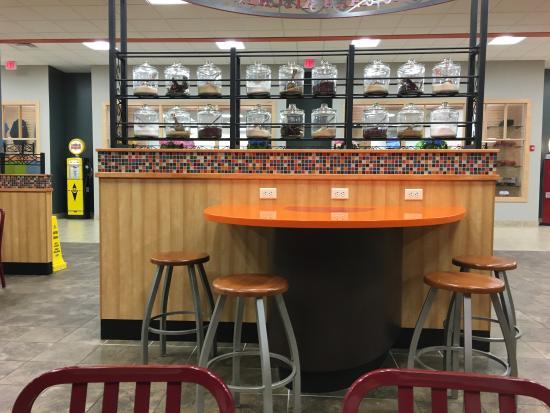 Raphine, Вирджиния: Popeye's