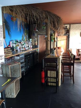 Makai Beach Cafe & Bar