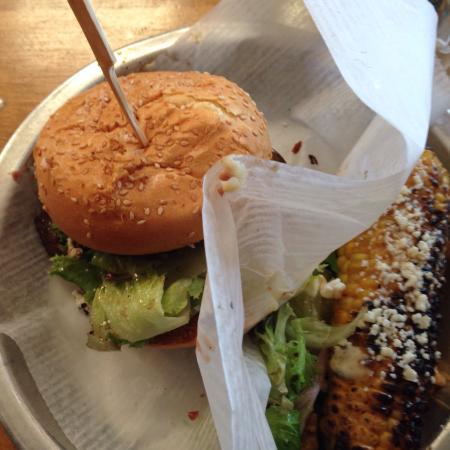 Sesame Burgers & Beer: photo1.jpg