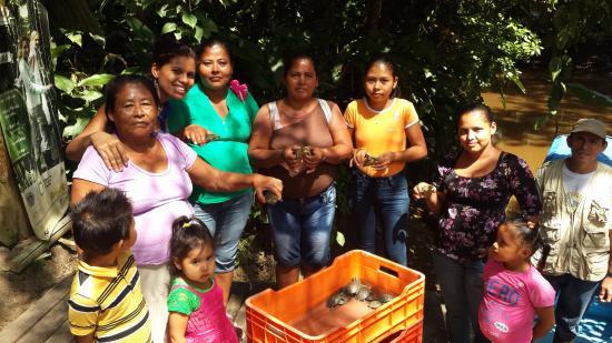 San Carlos, Νικαράγουα: Socias de la cooperativa de manejo de Vida Silvestre Los Guatuzos COMULSIGUA.