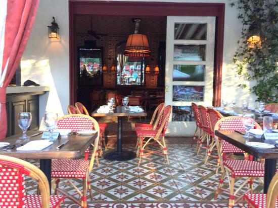 The Purple Palm Restaurant & Bar: dining