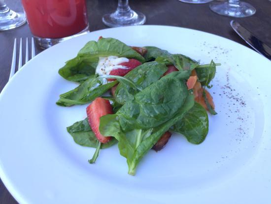 The Purple Palm Restaurant & Bar: beet salad
