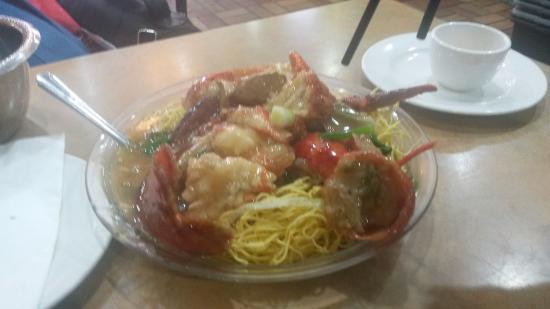 Feng Chen Yuan Restaurant : Langosta que sacaron de la pecera