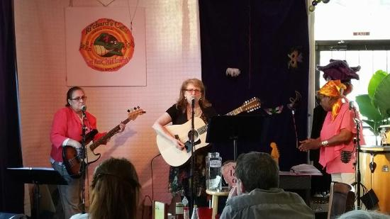 Whites Creek, TN: Live Music on a Sunday Morning
