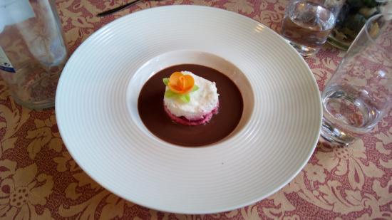 Soto de Luina, Spanje: Creación de una de las dueñas con yogur, frutas del bosque, fresas, chocolate, caramelo y más...