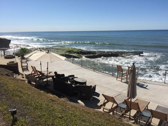 The Inn at Sunset Cliffs: Remodeled Lower Terrace