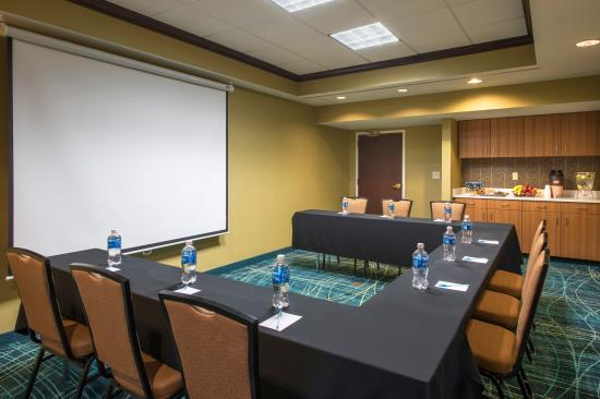 SpringHill Suites Charlotte Airport : Meeting Room