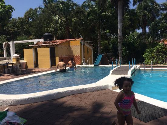 Eco Hotel Green River: Relajación total! Hotel maravilloso para relajarte, cómodo, mucha naturaleza, pequeños detalles