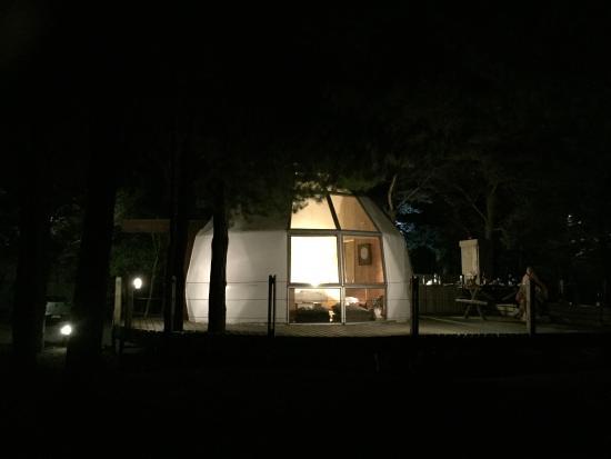 Magma Lodge: night view from beach