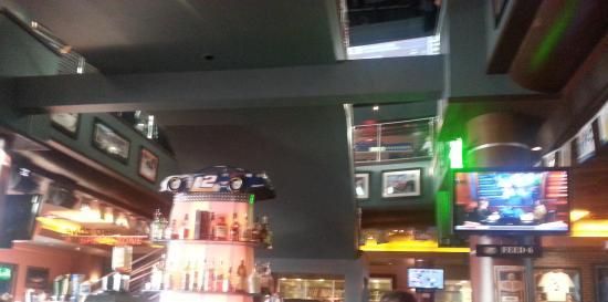 NASCAR Sports Grille: Nice bar area